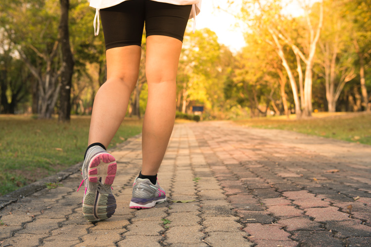 Burning Belly Fat With a Healthy Walking Routine